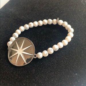 Marlyn Schiff White Beaded Starburst Bracelet